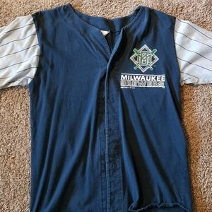 90's Milwaukee Brewers shirt